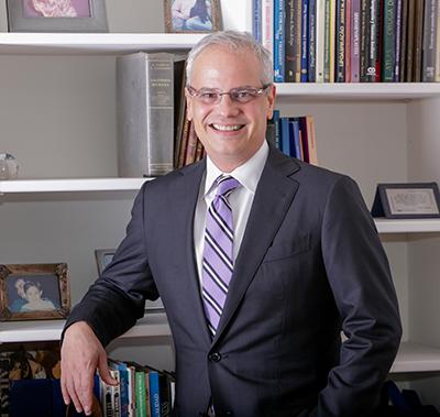 Dr. Adolfo Rosales Maldonado